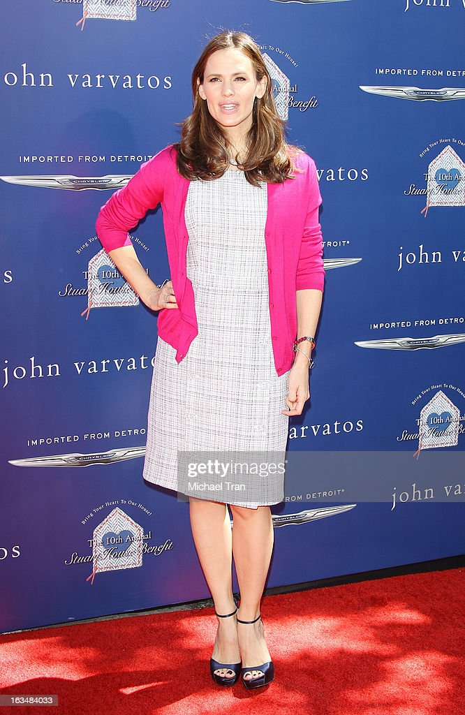 <a gi-track='captionPersonalityLinkClicked' href=/galleries/search?phrase=Jennifer+Garner&family=editorial&specificpeople=201813 ng-click='$event.stopPropagation()'>Jennifer Garner</a> arrives at The John Varvatos 10th Annual Stuart House Benefit held on March 10, 2013 in Los Angeles, California.