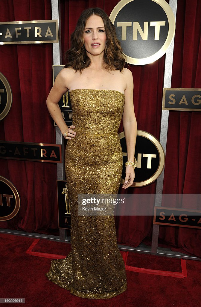 Jennifer Garner attends the 19th Annual Screen Actors Guild Awards at The Shrine Auditorium on January 27, 2013 in Los Angeles, California. (Photo by Kevin Mazur/WireImage) 23116_016_0932.jpg