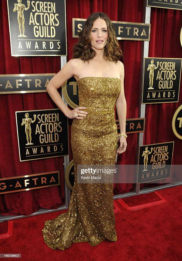 Jennifer Garner attends the 19th Annual Screen Actors Guild Awards at The Shrine Auditorium on January 27, 2013 in Los Angeles, California. (Photo by Kevin Mazur/WireImage) 23116_016_0939.jpg