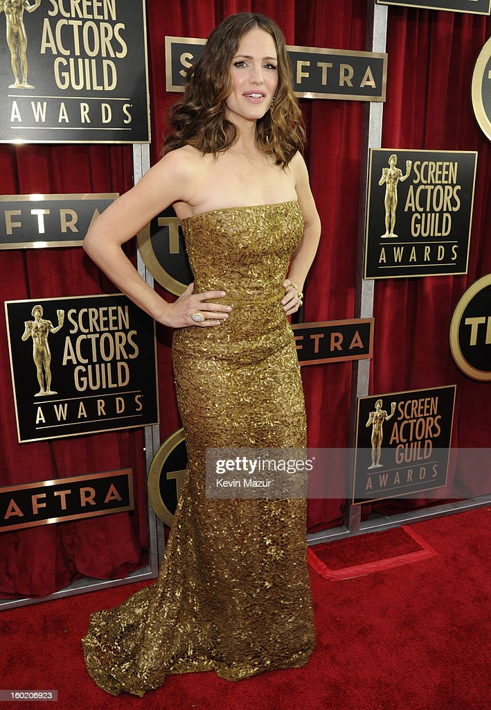 Jennifer Garner attends the 19th Annual Screen Actors Guild Awards at The Shrine Auditorium on January 27, 2013 in Los Angeles, California. (Photo by Kevin Mazur/WireImage) 23116_016_0943.jpg