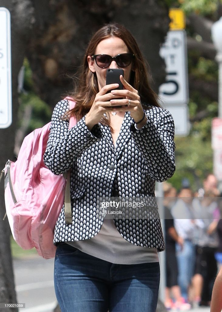 <a gi-track='captionPersonalityLinkClicked' href=/galleries/search?phrase=Jennifer+Garner&family=editorial&specificpeople=201813 ng-click='$event.stopPropagation()'>Jennifer Garner</a> is seen on June 5, 2013 in Los Angeles, California.