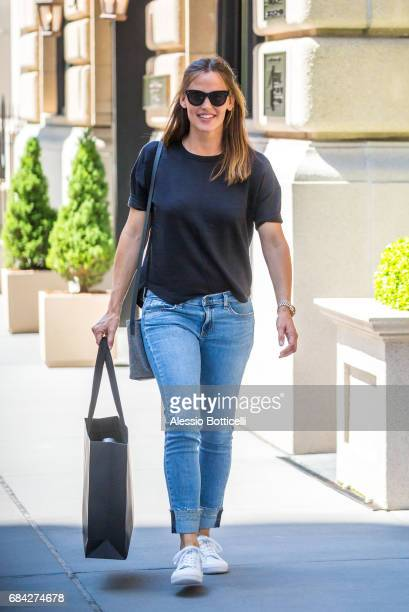 Jennifer Garner is seen shopping at Rag Bone boutique on Madison Avenue on May 17 2017 in New York City