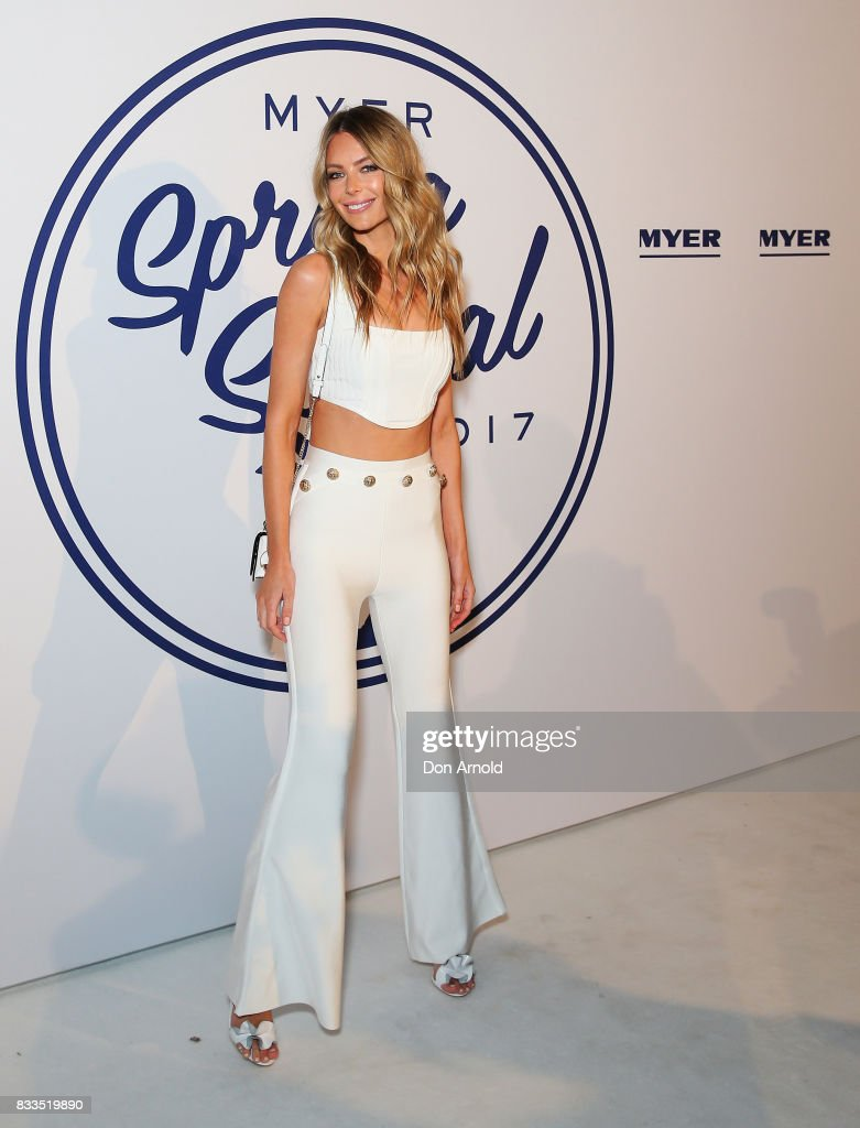 Jennifer Hawkins attends the Myer 'Spring Social' Night Event at Bronte Surf Life Club on August 17, 2017 in Sydney, Australia.