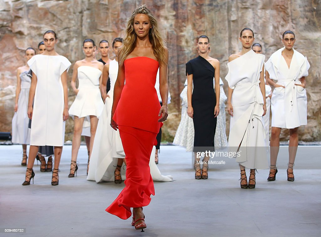 <a gi-track='captionPersonalityLinkClicked' href=/galleries/search?phrase=Jennifer+Hawkins&family=editorial&specificpeople=202875 ng-click='$event.stopPropagation()'>Jennifer Hawkins</a> showcases designs by Maticevski during rehearsal ahead of the Myer AW16 Fashion Launch on February 11, 2016 in Sydney, Australia.