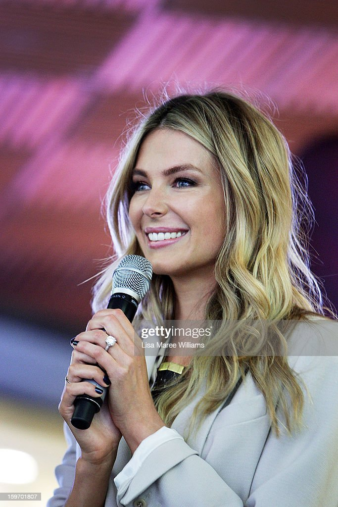 Jennifer Hawkins speaks to the crowd during the Sydney audition for Season 8 of Australia's Next Top Model at Pitt Street Mall on January 19, 2013 in Sydney, Australia.