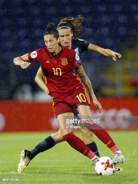 Jennifer Hermoso of Spain women Jill Scott of England women during the UEFA WEURO 2017 Group D group stage match between England and Spain at the Rat...
