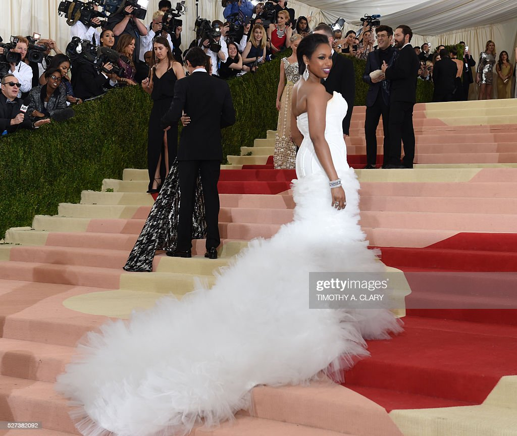 Jennifer Hudson arrives for the Costume Institute Benefit at The Metropolitan Museum of Art May 2, 2016 in New York. / AFP / TIMOTHY