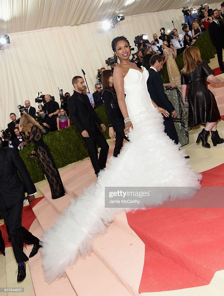Jennifer Hudson attends the 'Manus x Machina: Fashion In An Age Of Technology' Costume Institute Gala at Metropolitan Museum of Art on May 2, 2016 in New York City.