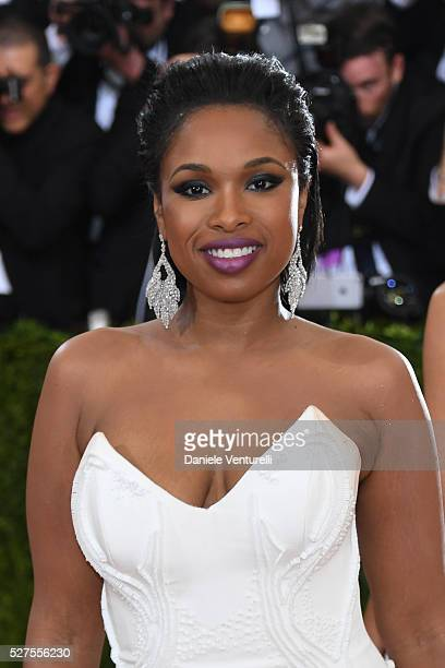 Jennifer Hudson attends the 'Manus x Machina Fashion In An Age Of Technology' Costume Institute Gala at the Metropolitan Museum on May 02 2016 in New...