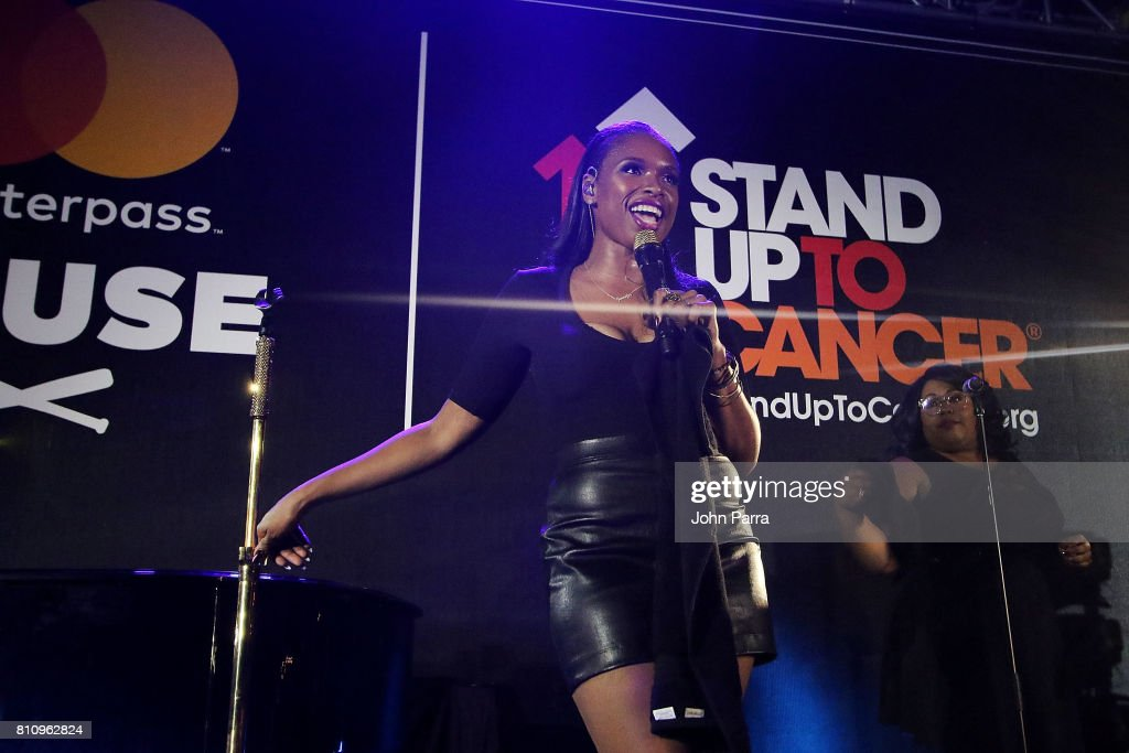 Jennifer Hudson performs at SU2C Jennifer Hudson Concert At The Masterpass House on July 8, 2017 in Miami Beach, Florida.