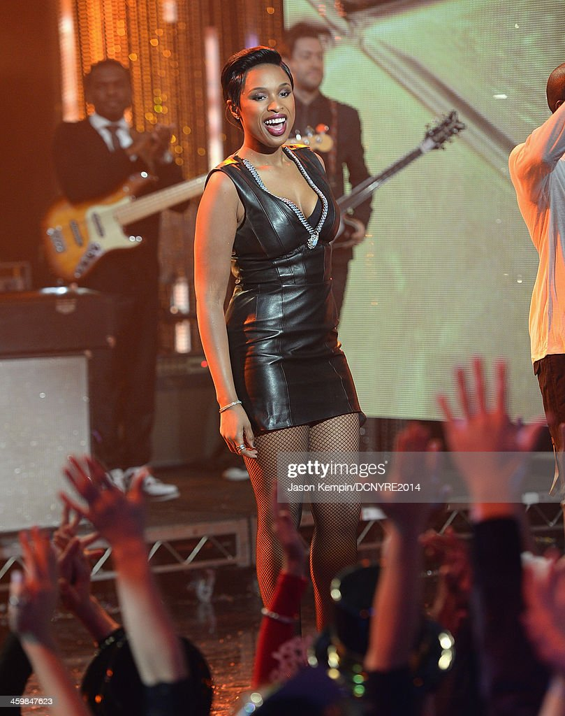 <a gi-track='captionPersonalityLinkClicked' href=/galleries/search?phrase=Jennifer+Hudson&family=editorial&specificpeople=234833 ng-click='$event.stopPropagation()'>Jennifer Hudson</a> performs during Dick Clark's New Year's Rockin' Eve with Ryan Seacrest 2014 at Sunset Gower Studios on December 31, 2013 in Los Angeles, California.