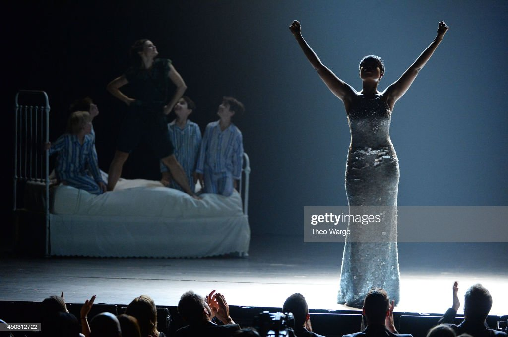 <a gi-track='captionPersonalityLinkClicked' href=/galleries/search?phrase=Jennifer+Hudson&family=editorial&specificpeople=234833 ng-click='$event.stopPropagation()'>Jennifer Hudson</a> performs onstage during the 68th Annual Tony Awards at Radio City Music Hall on June 8, 2014 in New York City.