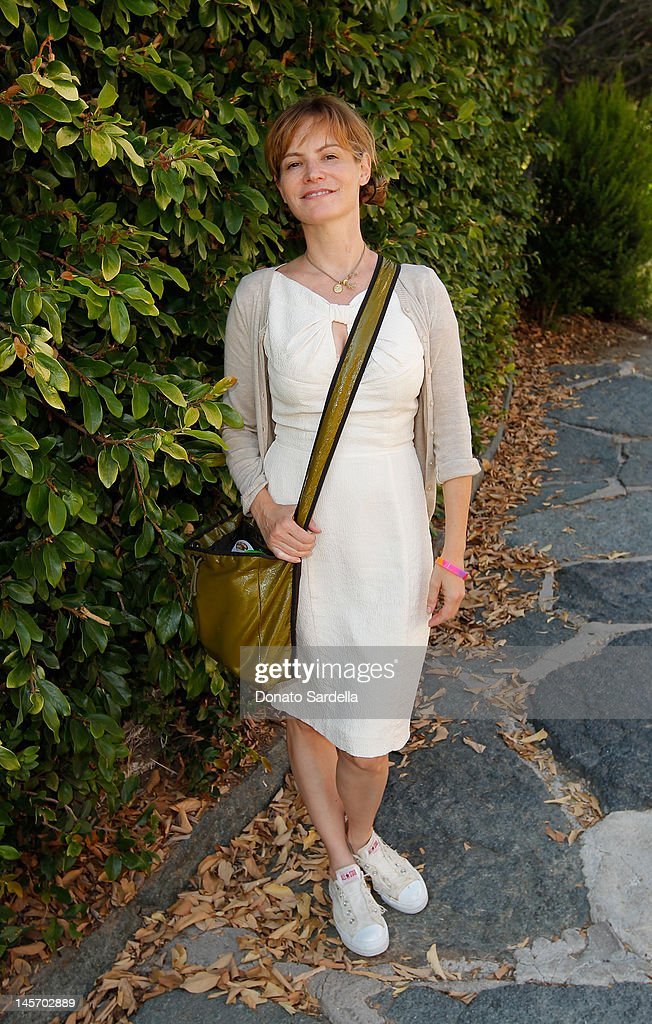 <a gi-track='captionPersonalityLinkClicked' href=/galleries/search?phrase=Jennifer+Jason+Leigh&family=editorial&specificpeople=208958 ng-click='$event.stopPropagation()'>Jennifer Jason Leigh</a> attends 6th Annual Kidstock Music And Arts Festival Sponsored By Hudson Jeans at Greystone Mansion on June 3, 2012 in Beverly Hills, California.