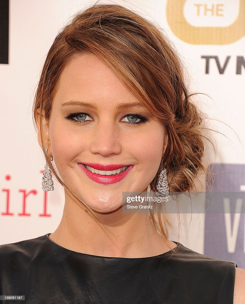 <a gi-track='captionPersonalityLinkClicked' href=/galleries/search?phrase=Jennifer+Lawrence&family=editorial&specificpeople=1596040 ng-click='$event.stopPropagation()'>Jennifer Lawrence</a> arrives at the 18th Annual Critics' Choice Movie Awards at The Barker Hangar on January 10, 2013 in Santa Monica, California.