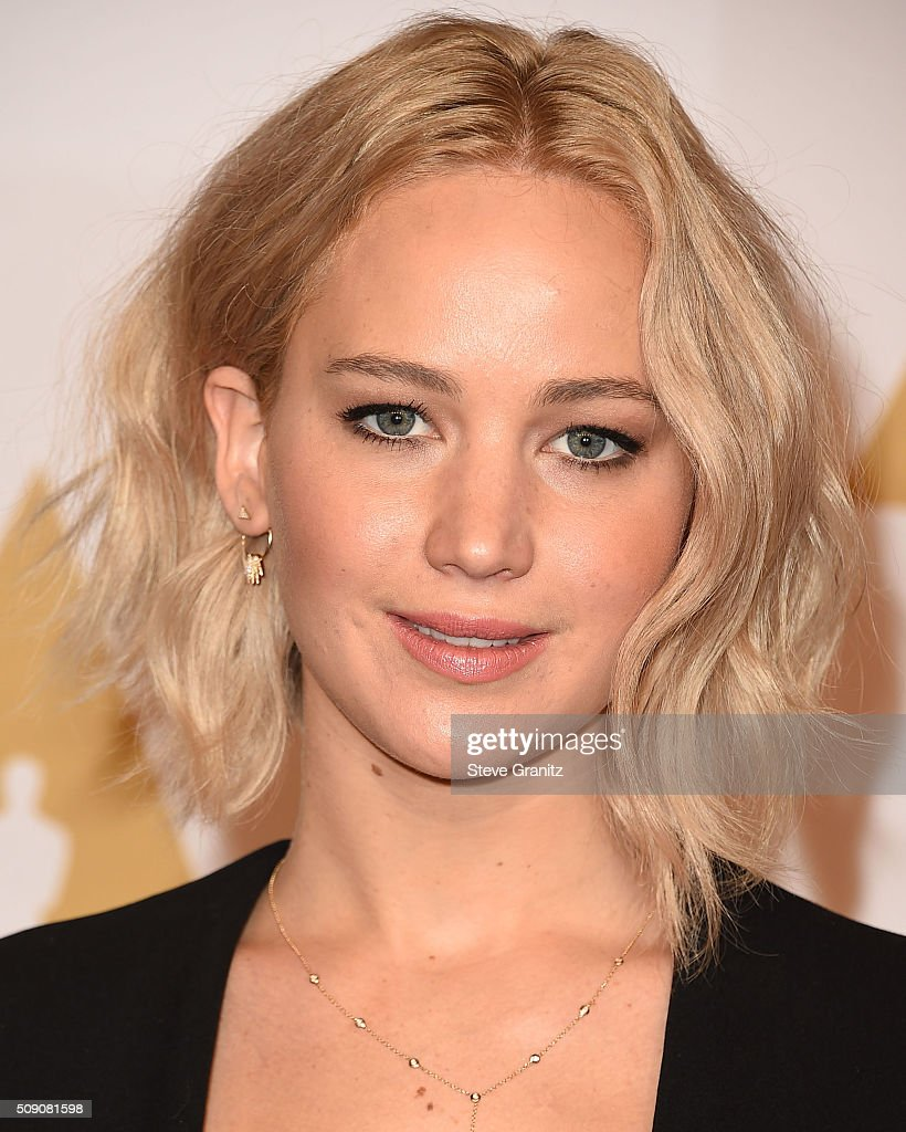 <a gi-track='captionPersonalityLinkClicked' href=/galleries/search?phrase=Jennifer+Lawrence&family=editorial&specificpeople=1596040 ng-click='$event.stopPropagation()'>Jennifer Lawrence</a> arrives at the 88th Annual Academy Awards Nominee Luncheon on February 8, 2016 in Los Angeles, California.