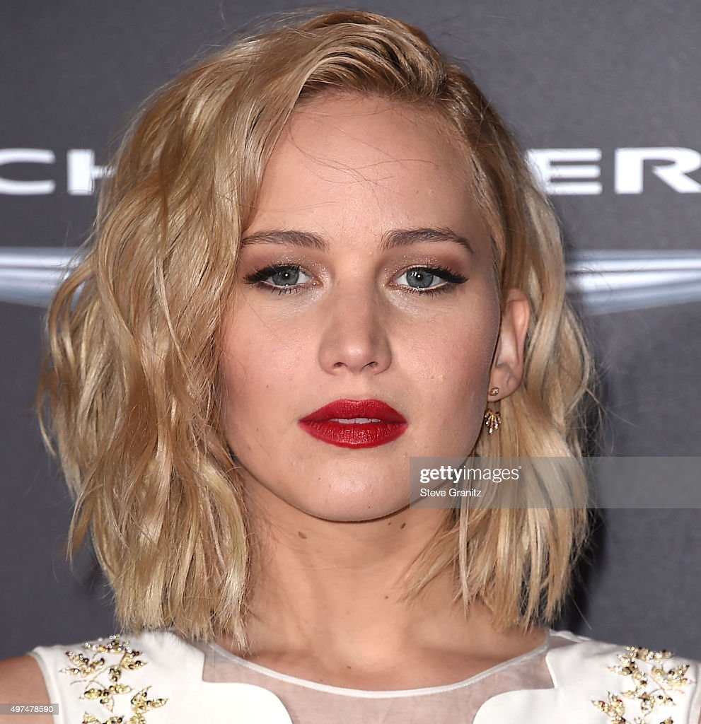 Jennifer Lawrence arrives at the Premiere Of Lionsgate's 'The Hunger Games: Mockingjay - Part 2' at Microsoft Theater on November 16, 2015 in Los Angeles, California.