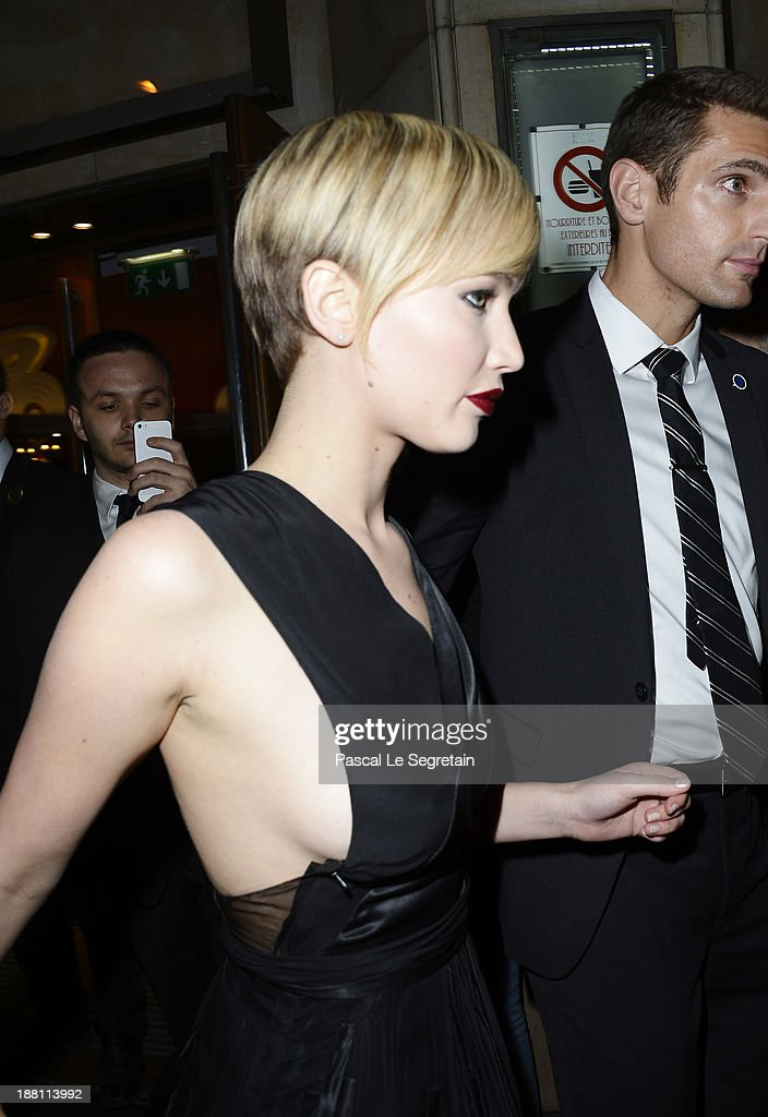 <a gi-track='captionPersonalityLinkClicked' href=/galleries/search?phrase=Jennifer+Lawrence&family=editorial&specificpeople=1596040 ng-click='$event.stopPropagation()'>Jennifer Lawrence</a> attends 'The Hunger Games: Catching Fire' Paris Premiere at Le Grand Rex on November 15, 2013 in Paris, France.