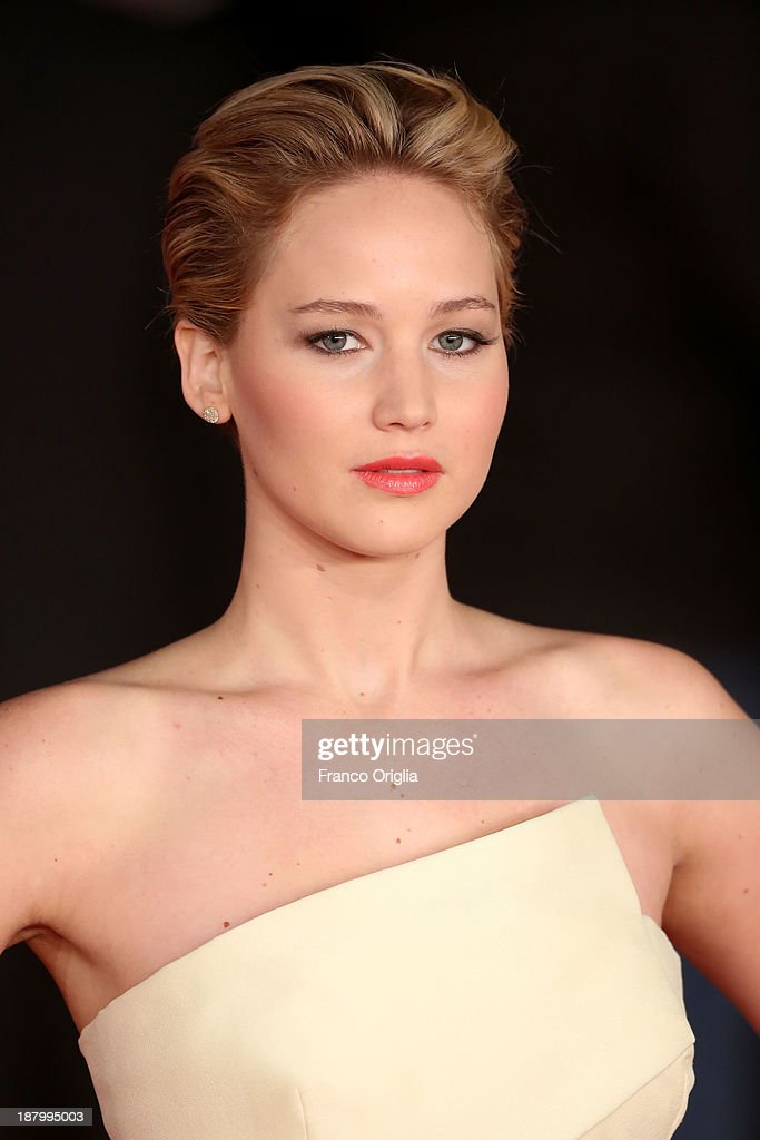 <a gi-track='captionPersonalityLinkClicked' href=/galleries/search?phrase=Jennifer+Lawrence&family=editorial&specificpeople=1596040 ng-click='$event.stopPropagation()'>Jennifer Lawrence</a> attends the 'The Hunger Games: Catching Fire' Premiere during The 8th Rome Film Festival at Auditorium Parco Della Musica on November 14, 2013 in Rome, Italy.