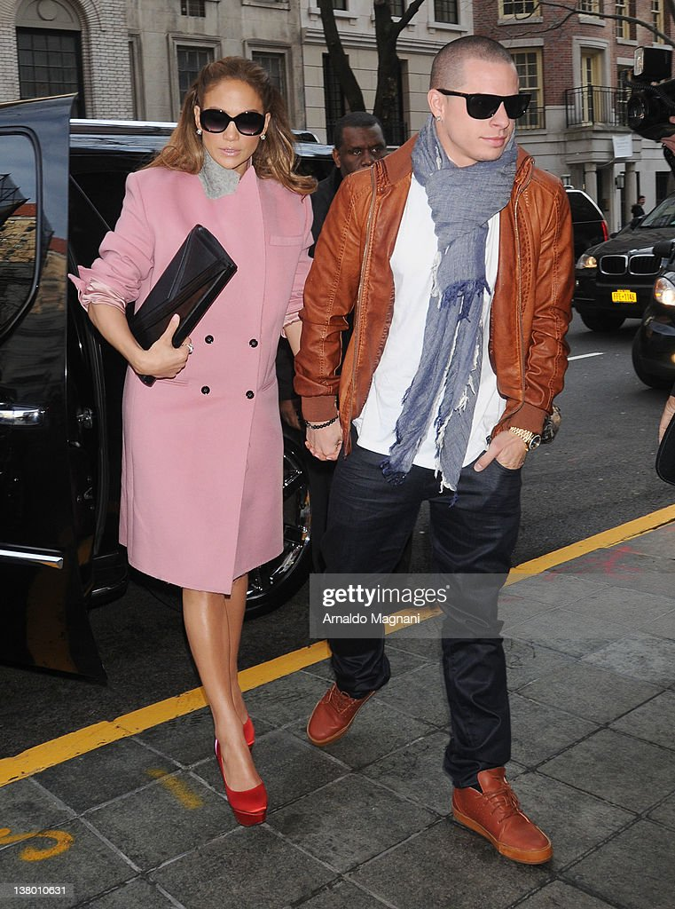 Jennifer Lopez and Casper Smart arrive at their hotel on January 31, 2012 in New York City.