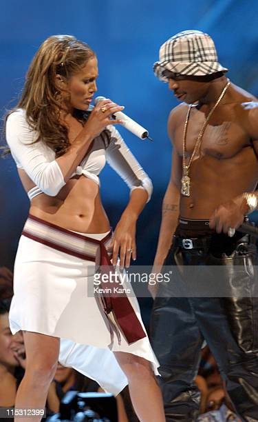Jennifer Lopez and Ja Rule perform during 2001 MTV Video Music Awards Show at The Metropolitan Opera House at Lincoln Center in New York City New...
