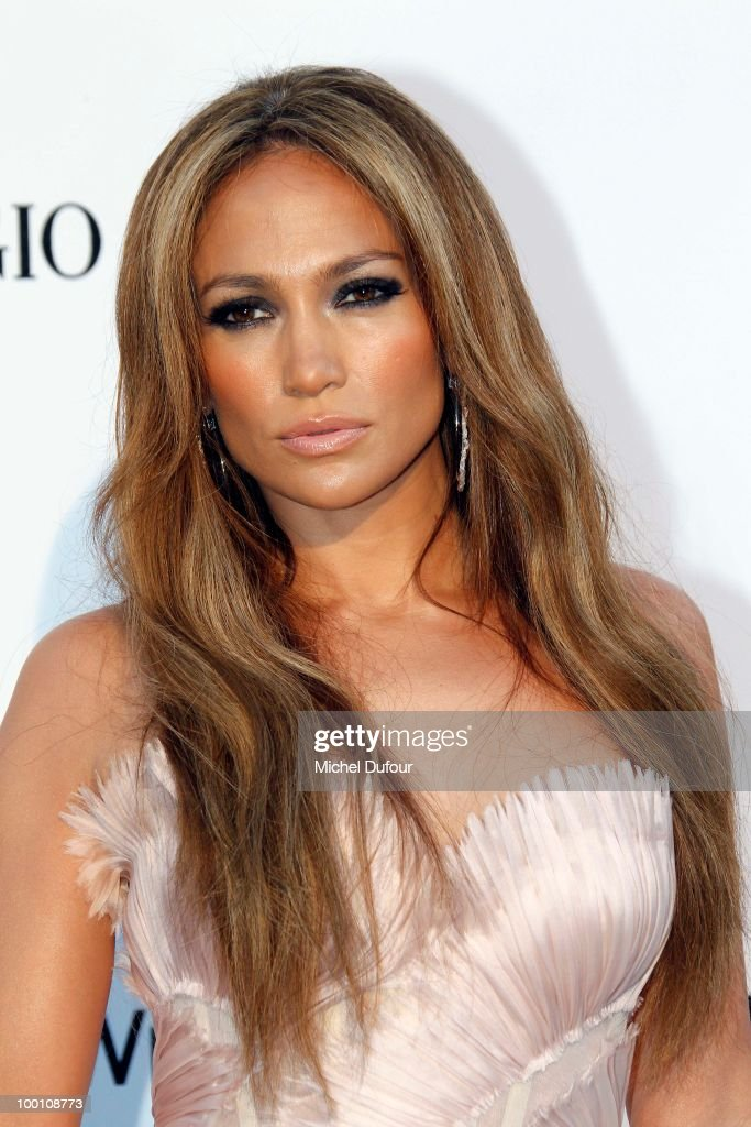 Jennifer Lopez arrives at amfAR's Cinema Against AIDS 2010 benefit gala at the Hotel du Cap on May 20, 2010 in Cannes, France.