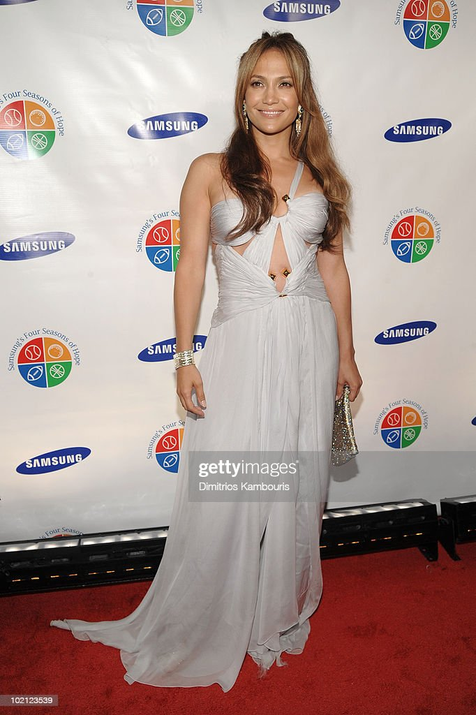 Jennifer Lopez attends Samsung's 9th Annual Four Seasons of Hope Gala at Cipriani Wall Street on June 15, 2010 in New York City.