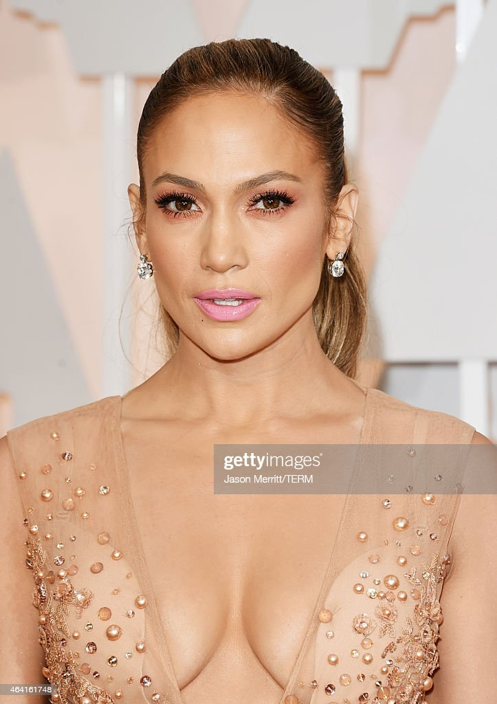 <a gi-track='captionPersonalityLinkClicked' href=/galleries/search?phrase=Jennifer+Lopez&family=editorial&specificpeople=201784 ng-click='$event.stopPropagation()'>Jennifer Lopez</a> attends the 87th Annual Academy Awards at Hollywood & Highland Center on February 22, 2015 in Hollywood, California.