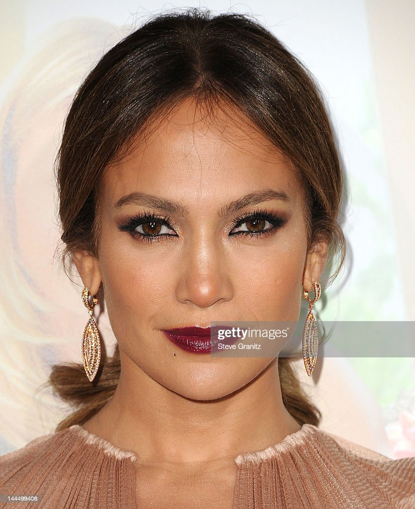 <a gi-track='captionPersonalityLinkClicked' href=/galleries/search?phrase=Jennifer+Lopez&family=editorial&specificpeople=201784 ng-click='$event.stopPropagation()'>Jennifer Lopez</a> attends the Los Angeles premiere of 'What To Expect When You're Expecting' at Grauman's Chinese Theatre on May 14, 2012 in Hollywood, California.