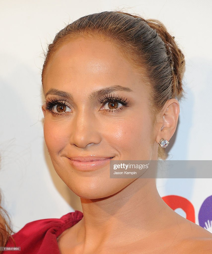 Jennifer Lopez attends the Samsung Hope for Children gala at Cipriani Wall Street on June 7, 2011 in New York City.