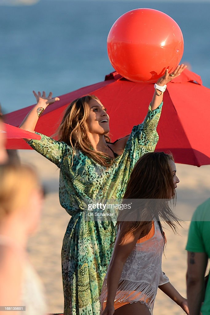 <a gi-track='captionPersonalityLinkClicked' href=/galleries/search?phrase=Jennifer+Lopez&family=editorial&specificpeople=201784 ng-click='$event.stopPropagation()'>Jennifer Lopez</a> is sighted as she films a commercial on the beach on May 5, 2013 in Fort Lauderdale, Florida.
