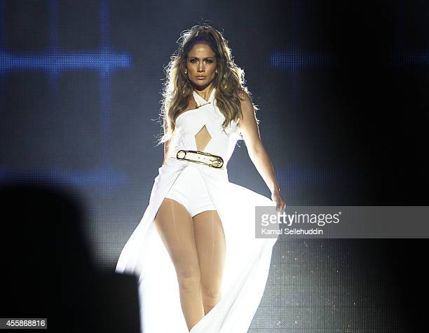 Jennifer Lopez performs live following the Singapore F1 Grand Prix 2014 on September 21 2014 in Singapore Singapore