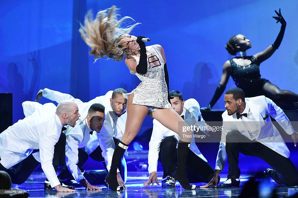 Jennifer lopez performs onstage at fashion rocks 2014 presented by