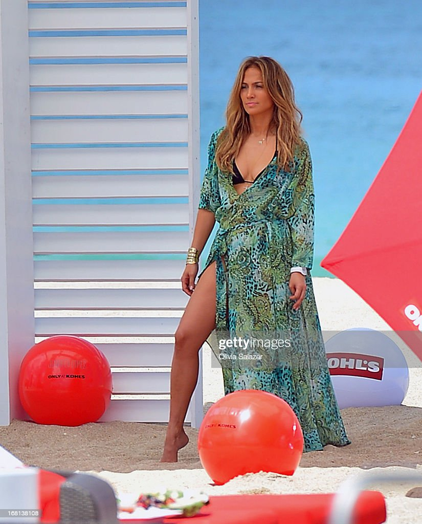 <a gi-track='captionPersonalityLinkClicked' href=/galleries/search?phrase=Jennifer+Lopez&family=editorial&specificpeople=201784 ng-click='$event.stopPropagation()'>Jennifer Lopez</a> shoots a video on May 5, 2013 in Fort Lauderdale, Florida.
