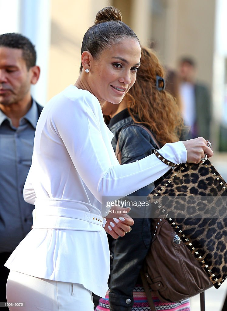 Jennifer Lopez stops for lunch at Bouchon restaurant on January 29, 2013 in Los Angeles, California.