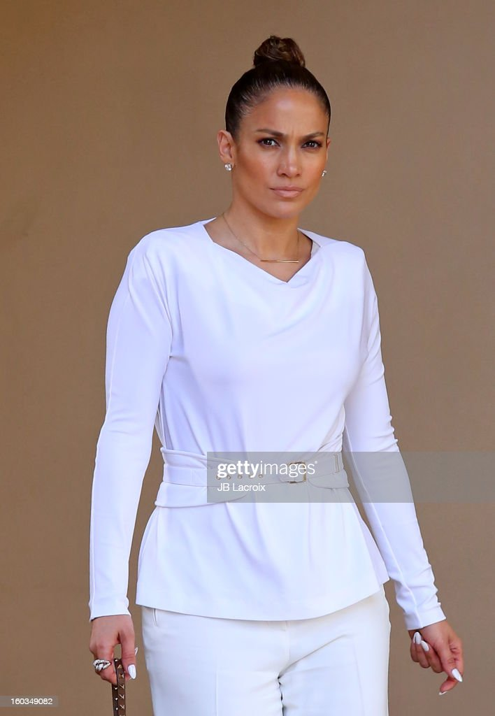 <a gi-track='captionPersonalityLinkClicked' href=/galleries/search?phrase=Jennifer+Lopez&family=editorial&specificpeople=201784 ng-click='$event.stopPropagation()'>Jennifer Lopez</a> stops for lunch at Bouchon restaurant on January 29, 2013 in Los Angeles, California.