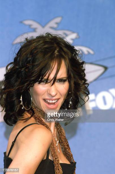 Jennifer Love Hewitt during The 2002 Teen Choice Awards Press Room at Universal Amphitheater in Universal City California United States