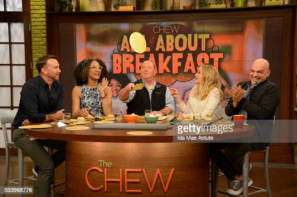 THE CHEW Jennifer Nettles and Chris Harrison are guests on the delicious talk show THE CHEW airing FRIDAY MAY 20 on the ABC Television Network CLINTON