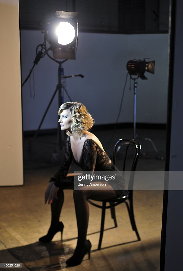 Jennifer nettles behind the scenes of her photo shoot for her broadway