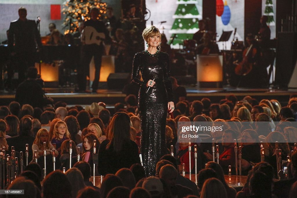 <a gi-track='captionPersonalityLinkClicked' href=/galleries/search?phrase=Jennifer+Nettles&family=editorial&specificpeople=619734 ng-click='$event.stopPropagation()'>Jennifer Nettles</a> performs during the CMA 2013 Country Christmas on November 8, 2013 in Nashville, Tennessee.