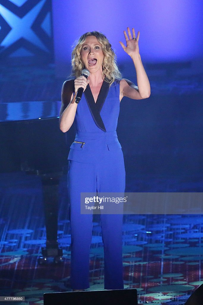 Jennifer Nettles performs during the Songwriters Hall Of Fame 46th Annual Induction And Awards at Marriott Marquis Hotel on June 18 2015 in New York...