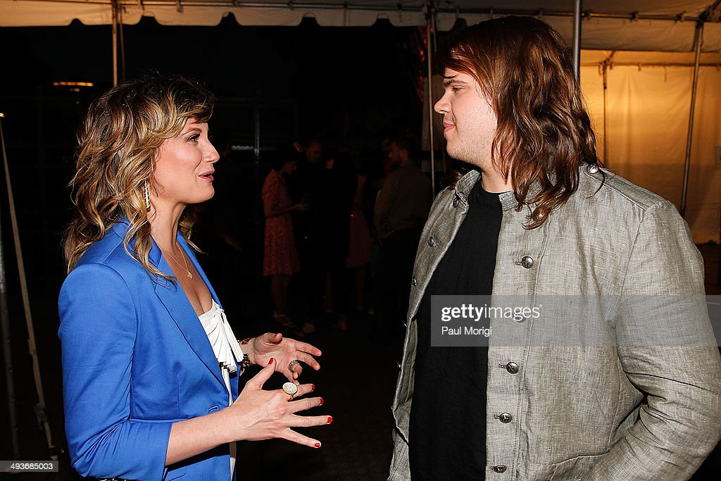 Jennifer nettles talks with american idol season 13 winner caleb