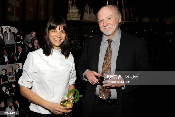Jennifer Saba and Greg Mitchell attend PARADE MAGAZINE and SI Newhouse Jr honor Walter Anderson at The 4 Seasons Grill Room on March 31 2009 in New...