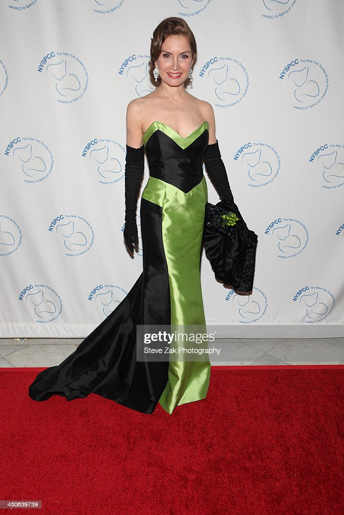 Jennifer Shafiraff attends the New York Society For The Prevention Of Cruelty To Children 2013 Wine Dinner at Metropolitan Pavilion on November 19...