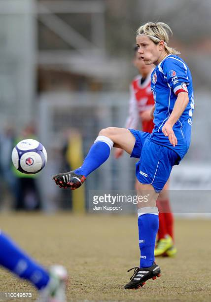 Jennifer Zietz of Potsdam kicks the ball during the Women Bundesliga match between Turbine Potsdam and EssenSchoenebeck at the KarlLiebknecht stadium...