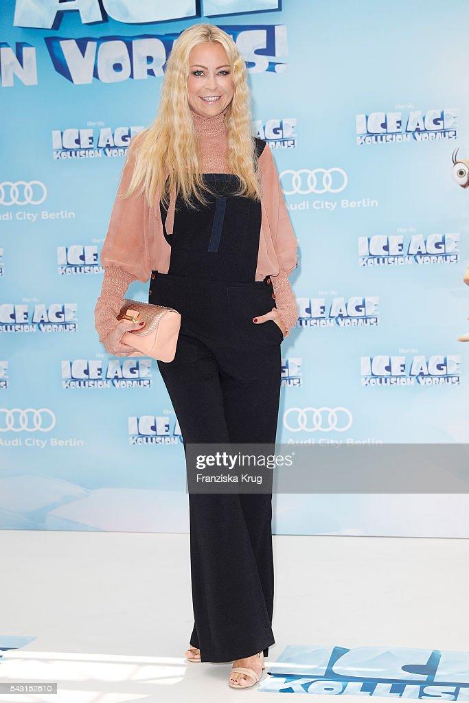 Jenny Elvers attends the 'Ice Age - Kollision Voraus' German Premiere at CineStar on June 26, 2016 in Berlin, Germany.
