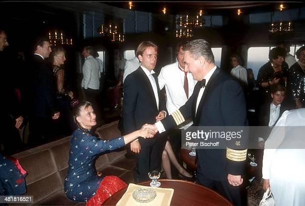 Jenny Jürgens Ehemann Michael Lindner Udo Jürgens Kapitän Helmut Raasch Hochzeitsreise von J e n n y J ü r g e n s Kreuzfahrt 'MS Europa' Norwegen