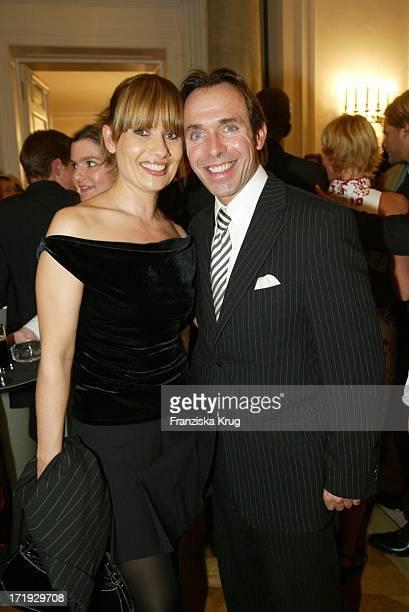 Jenny Jürgens Mit Ehemann Thomas Druyen Bei Der Benefiz Modenschau Auf Schloss Bellevue Am 211003