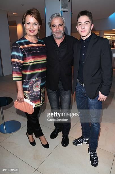 Jenny Juergens daughter of Udo Juergens and her husband David Carreras Sole and stepson Matteo during the Munich premiere of the musical 'Ich war...