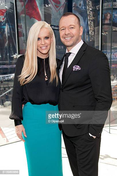 Jenny McCarthy and Donnie Wahlberg visit 'Extra' at their New York studios at HM in Times Square on March 15 2016 in New York City