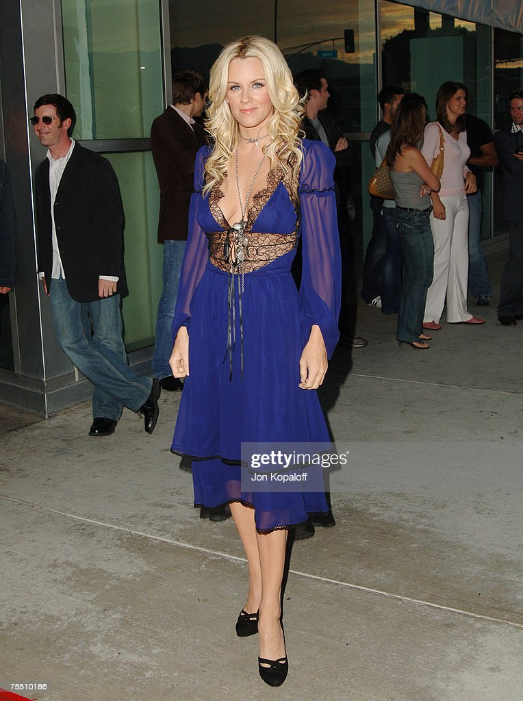 Jenny McCarthy at the 'Dirty Love' Los Angeles Premiere - Arrivals at ArcLight Cinerama Dome in Hollywood, California.